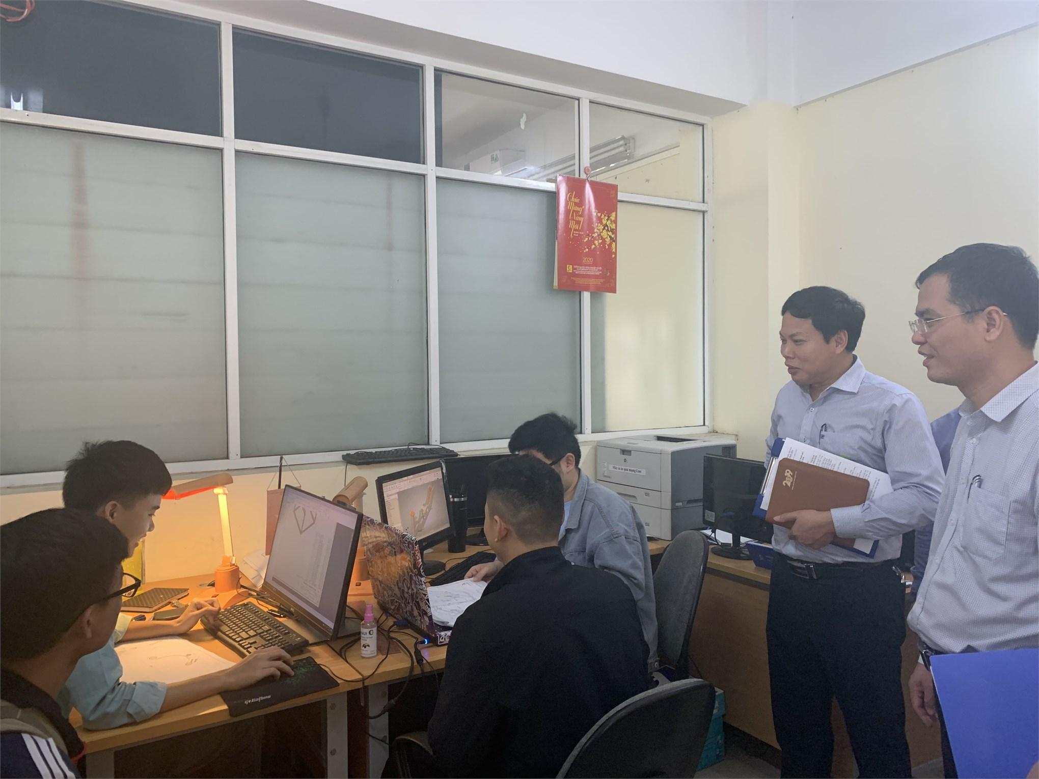 Đoàn công tác kiểm tra công tác huấn luyện nghề Thiết kế kỹ thuật cơ khí