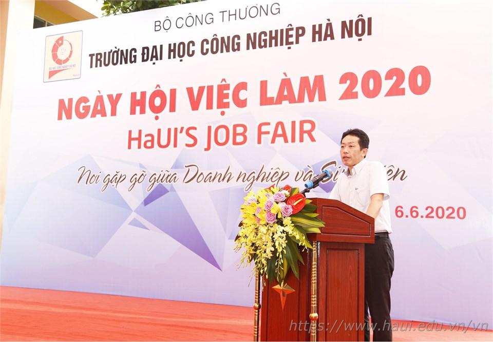 Hơn 2000 cơ hội việc làm cho sinh viên trong Ngày hội việc làm 2020 tại Đại học Công nghiệp Hà Nội