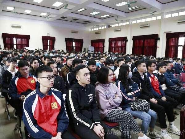 Hội thảo Chương trình liên kết đào tạo kỹ sư tài năng của Công ty TNHH Nissan Automotive Technology Việt Nam Khóa 7