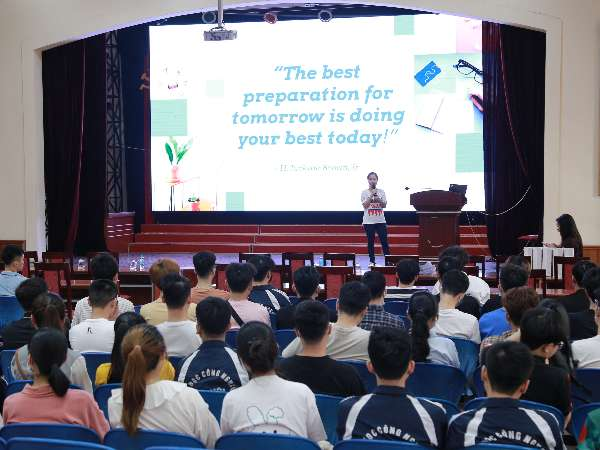 Hội thảo cơ hội việc làm,định hướng, tập huấn kỹ năng viết CV của Công ty TNHH Suntory Pepsico Việt Nam